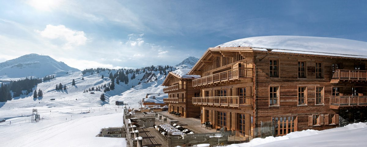 chalet n where luxe meets cosy in the austrian alps talitha. Black Bedroom Furniture Sets. Home Design Ideas